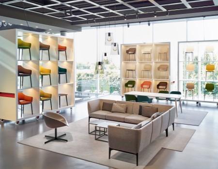 Готовый бизнес, салон современной мебели фото