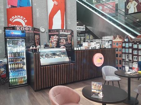 Кафе-кондитерская, кофейня в крупном ТЦ фото